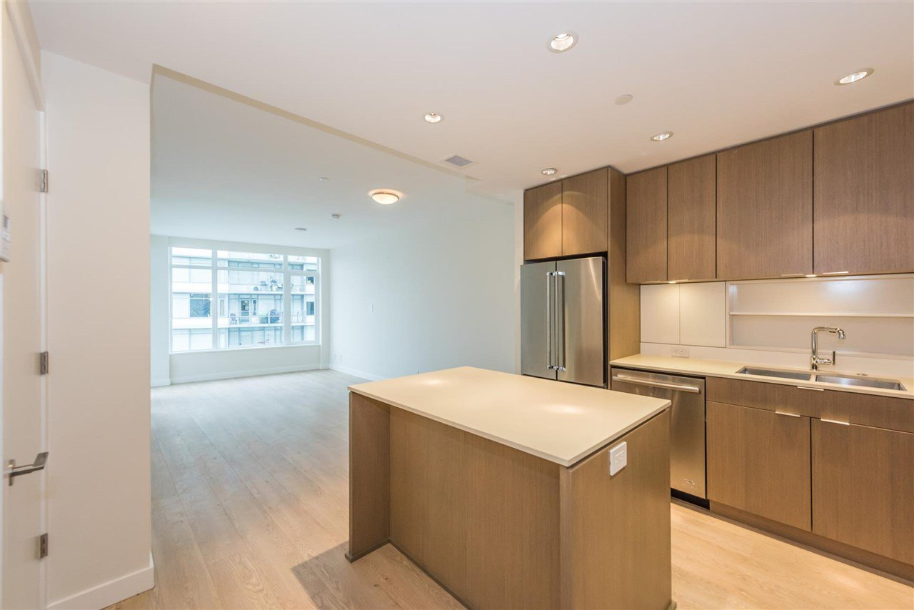 """Photo 4: Photos: 1611 111 E 1ST Avenue in Vancouver: Mount Pleasant VE Condo for sale in """"BLOCK 100"""" (Vancouver East)  : MLS®# R2106776"""