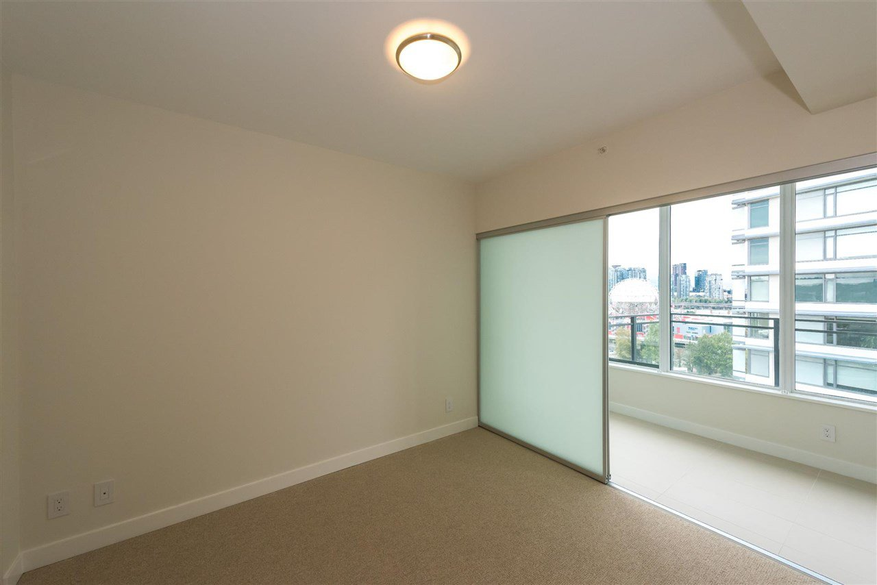 """Photo 7: Photos: 1611 111 E 1ST Avenue in Vancouver: Mount Pleasant VE Condo for sale in """"BLOCK 100"""" (Vancouver East)  : MLS®# R2106776"""