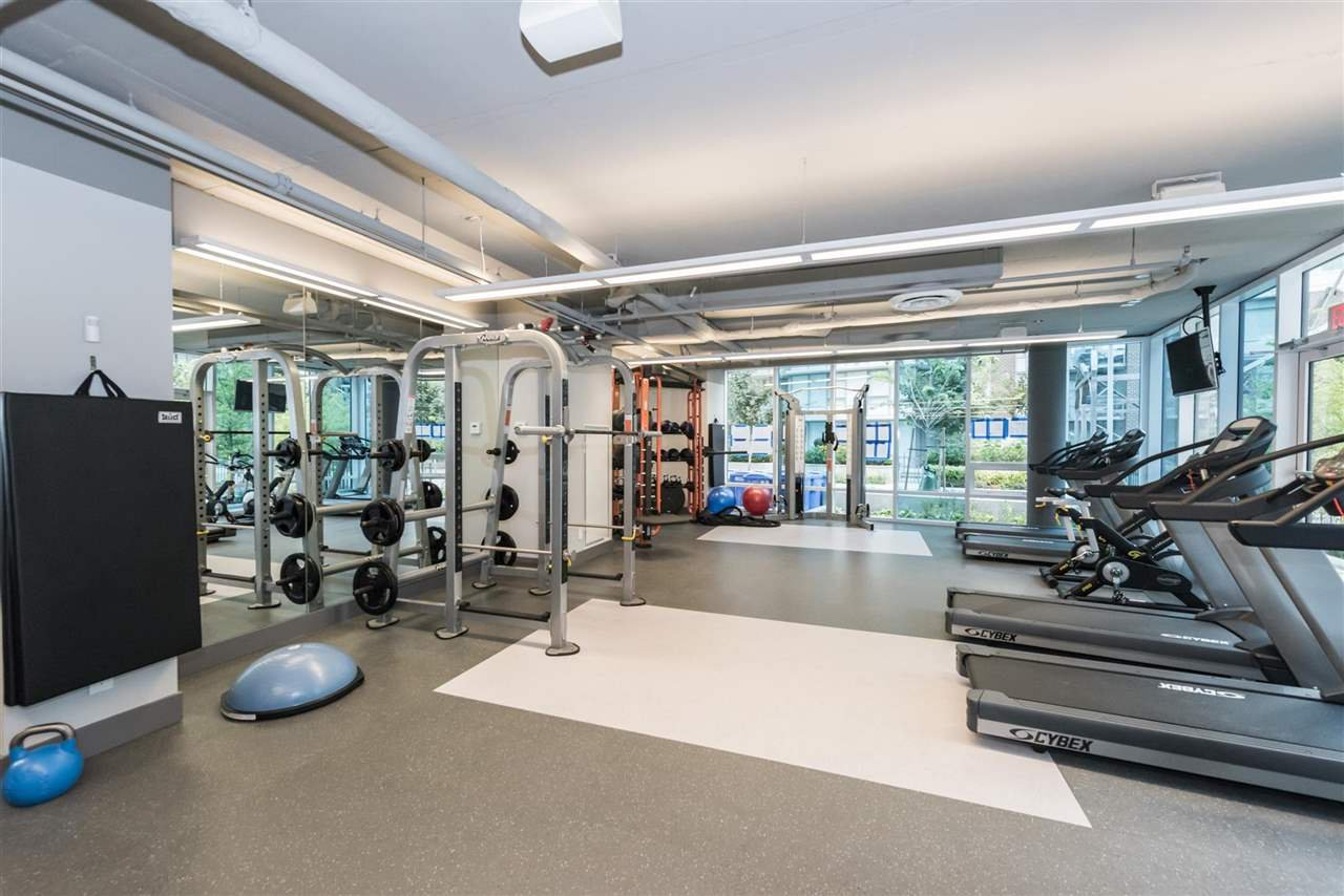 """Photo 13: Photos: 1611 111 E 1ST Avenue in Vancouver: Mount Pleasant VE Condo for sale in """"BLOCK 100"""" (Vancouver East)  : MLS®# R2106776"""