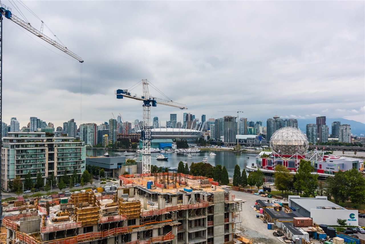 """Photo 2: Photos: 1611 111 E 1ST Avenue in Vancouver: Mount Pleasant VE Condo for sale in """"BLOCK 100"""" (Vancouver East)  : MLS®# R2106776"""