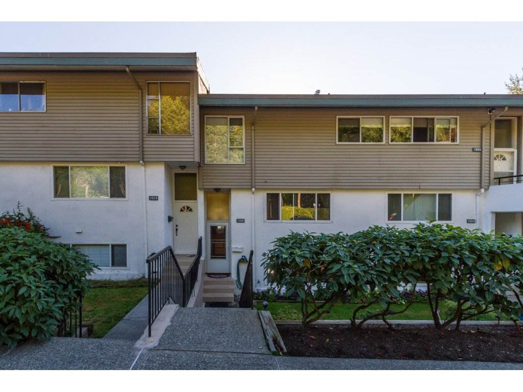 "Main Photo: 1926 HIGHVIEW Place in Port Moody: College Park PM Townhouse for sale in ""HIGHVIEW PLACE"" : MLS®# R2108313"