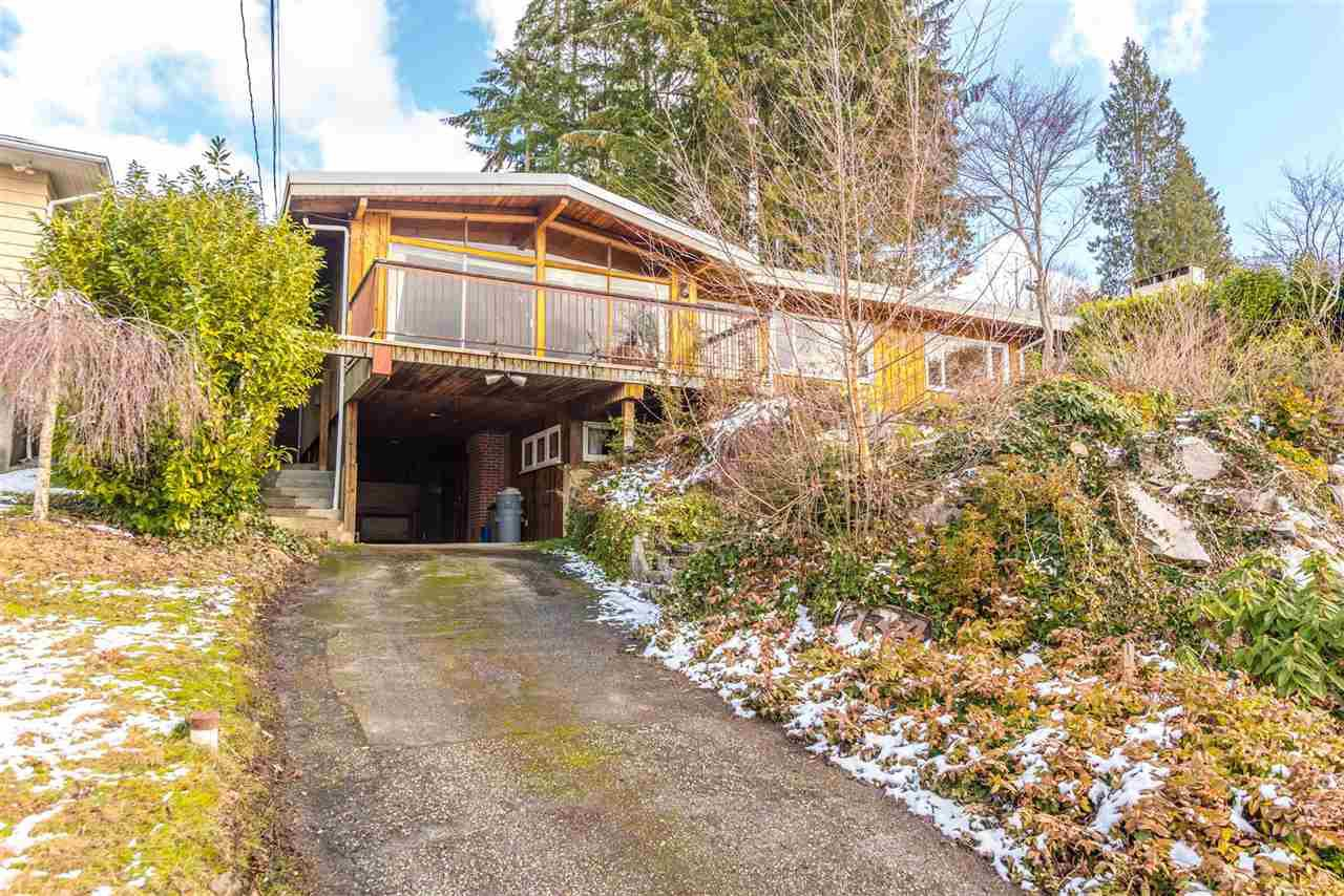 Main Photo: 734 CRYSTAL Court in North Vancouver: Canyon Heights NV House for sale : MLS®# R2141771