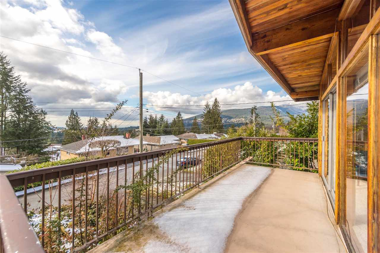 Photo 3: Photos: 734 CRYSTAL Court in North Vancouver: Canyon Heights NV House for sale : MLS®# R2141771