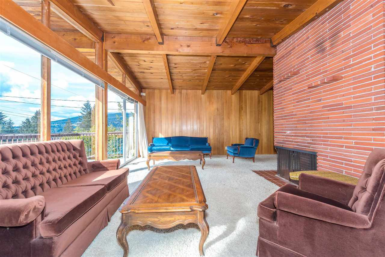 Photo 7: Photos: 734 CRYSTAL Court in North Vancouver: Canyon Heights NV House for sale : MLS®# R2141771