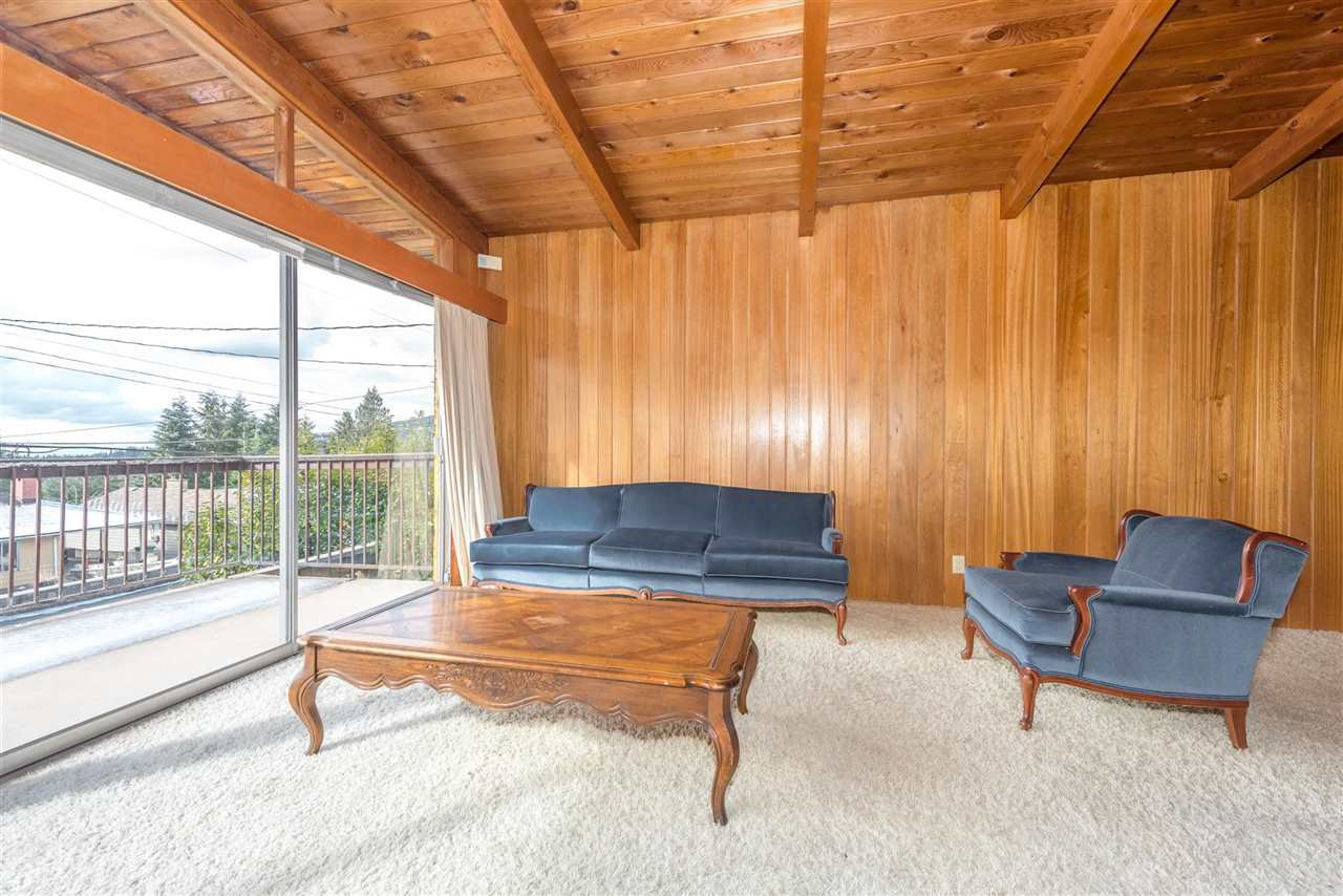 Photo 5: Photos: 734 CRYSTAL Court in North Vancouver: Canyon Heights NV House for sale : MLS®# R2141771