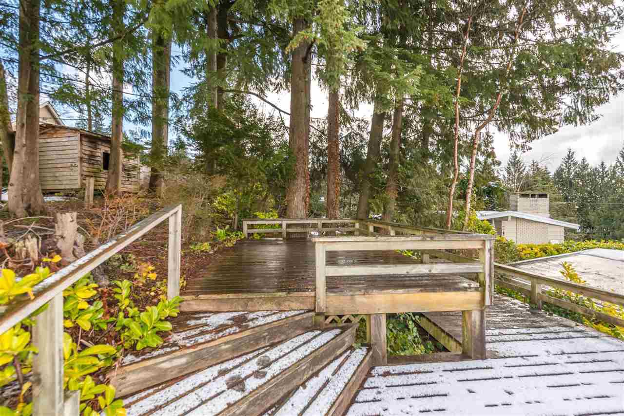 Photo 4: Photos: 734 CRYSTAL Court in North Vancouver: Canyon Heights NV House for sale : MLS®# R2141771