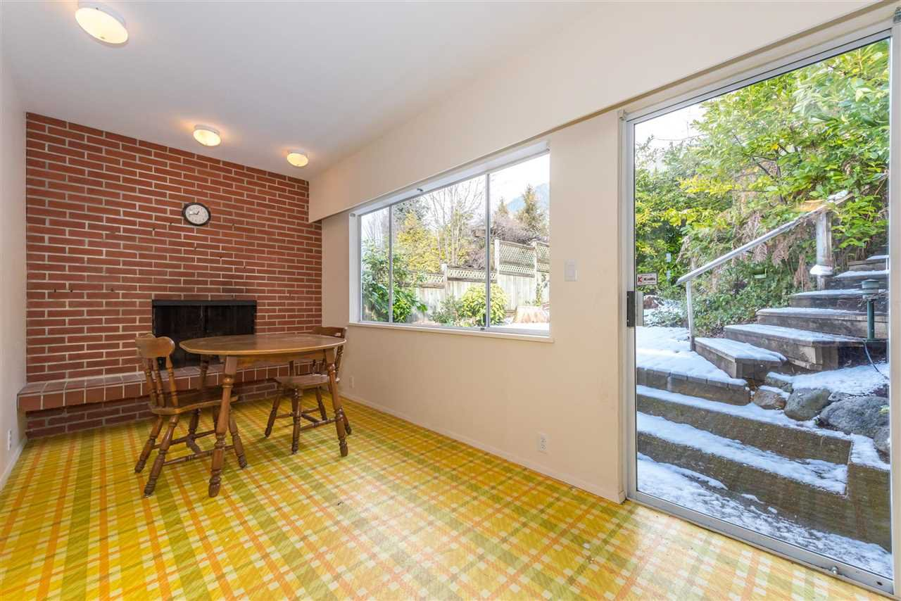 Photo 10: Photos: 734 CRYSTAL Court in North Vancouver: Canyon Heights NV House for sale : MLS®# R2141771