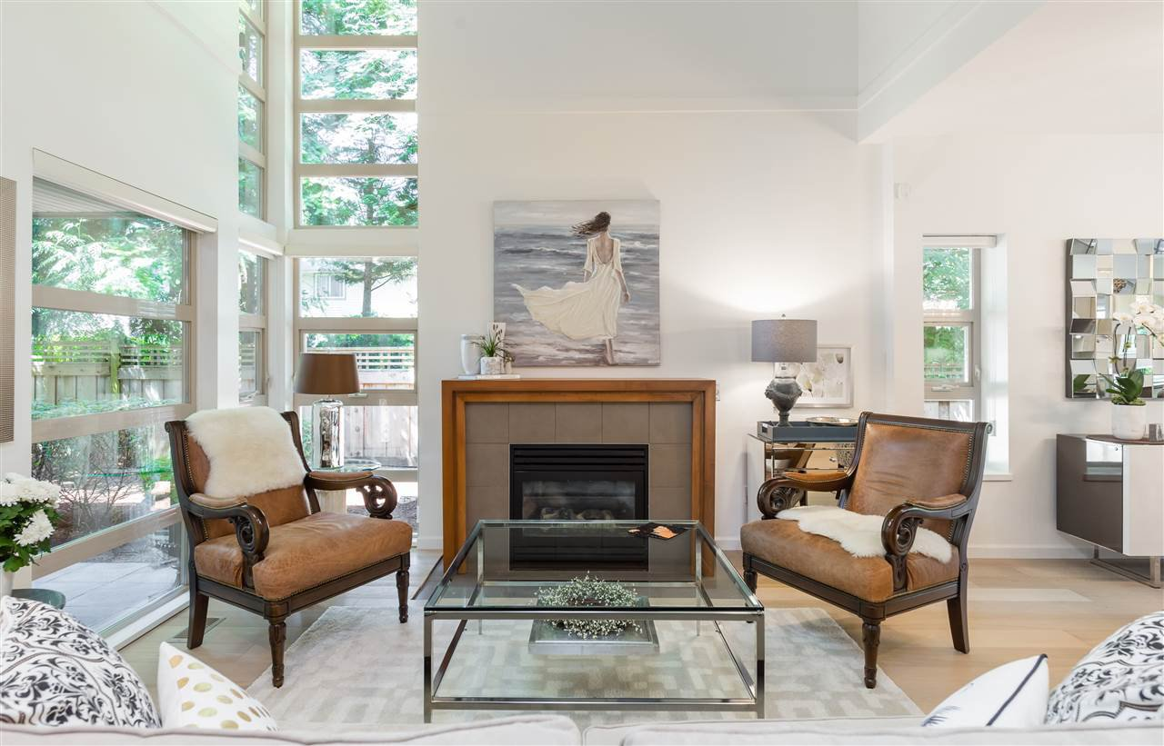 Main Photo: 22 3750 EDGEMONT BOULEVARD in North Vancouver: Edgemont Townhouse for sale : MLS®# R2185047
