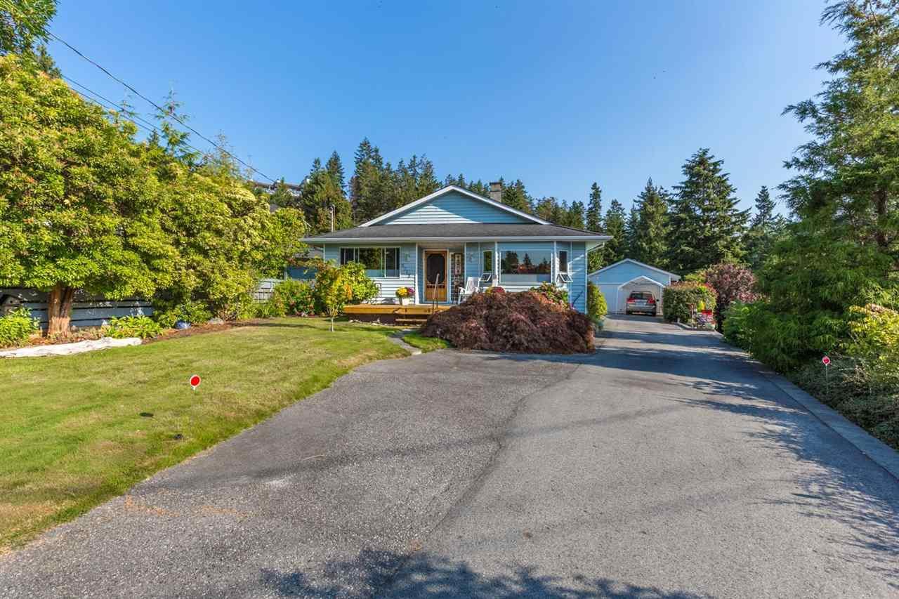 Main Photo: 5712 SURF Circle in Sechelt: Sechelt District House for sale (Sunshine Coast)  : MLS®# R2200280
