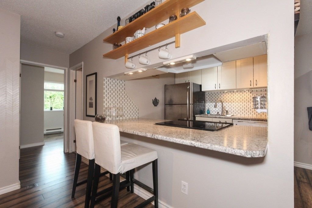 """Photo 10: Photos: 101 5906 176A Street in Surrey: Cloverdale BC Condo for sale in """"Wydham estates"""" (Cloverdale)  : MLS®# R2286644"""
