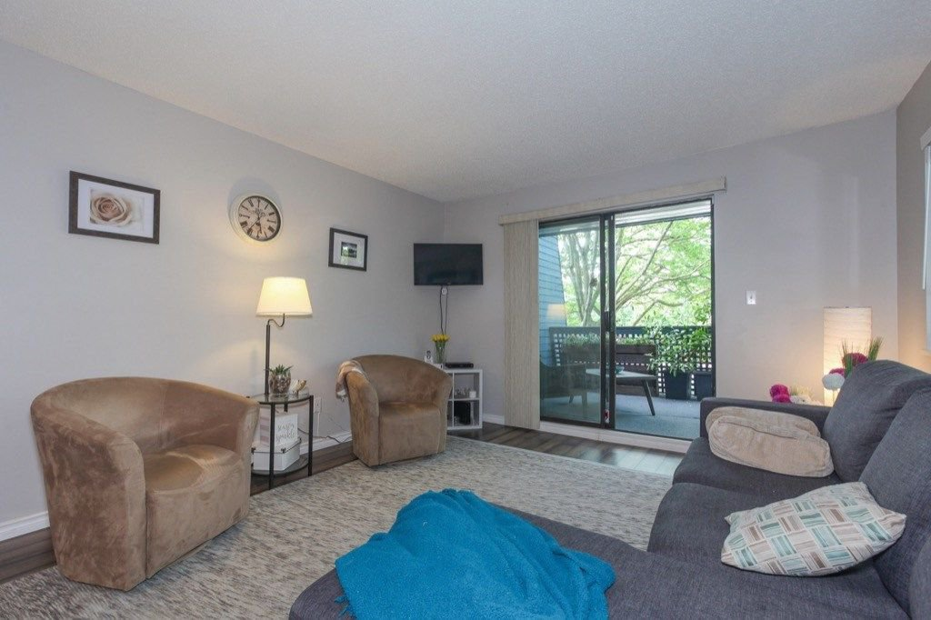"""Photo 5: Photos: 101 5906 176A Street in Surrey: Cloverdale BC Condo for sale in """"Wydham estates"""" (Cloverdale)  : MLS®# R2286644"""