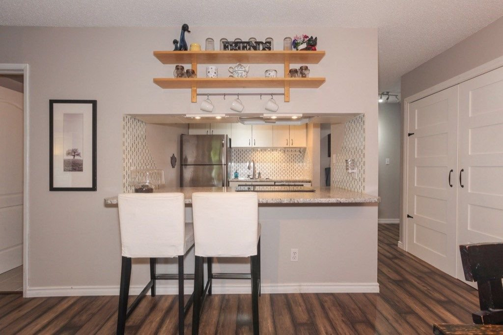 """Photo 9: Photos: 101 5906 176A Street in Surrey: Cloverdale BC Condo for sale in """"Wydham estates"""" (Cloverdale)  : MLS®# R2286644"""