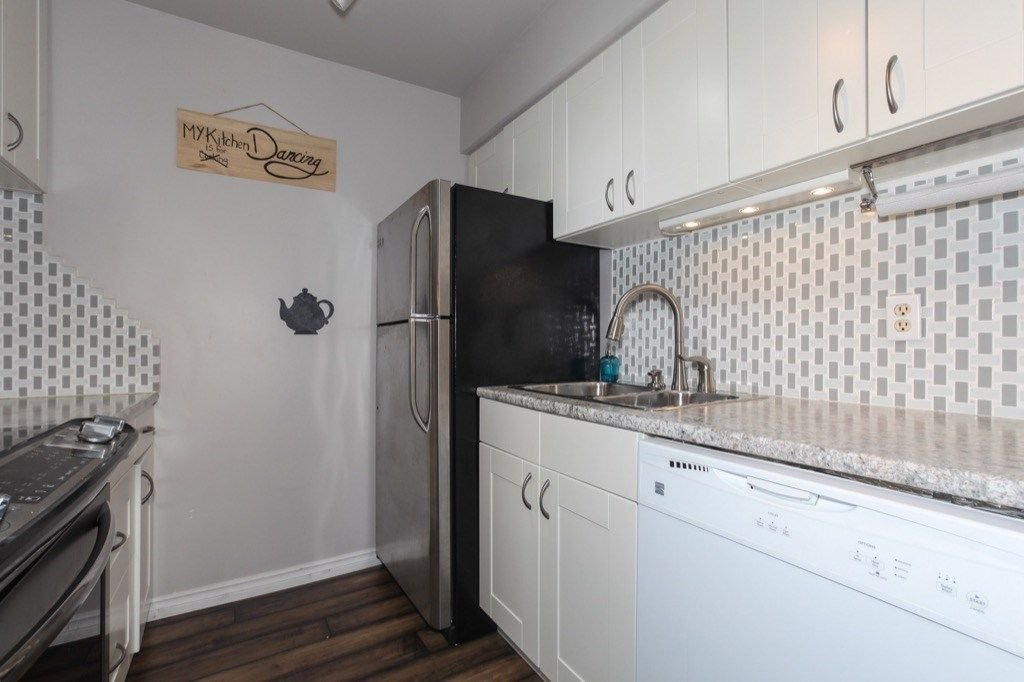 """Photo 12: Photos: 101 5906 176A Street in Surrey: Cloverdale BC Condo for sale in """"Wydham estates"""" (Cloverdale)  : MLS®# R2286644"""