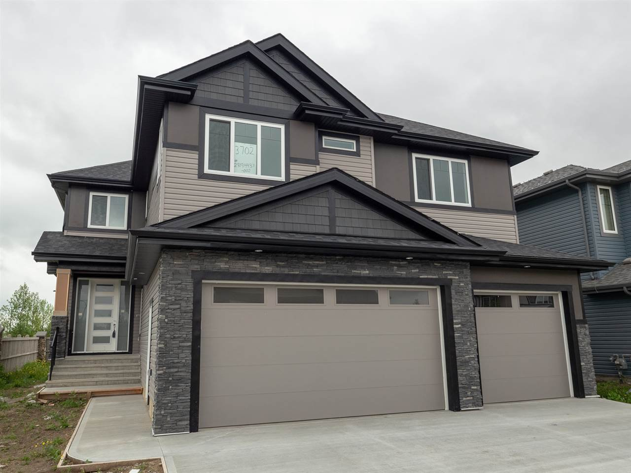 Main Photo: 3702 CLAXTON Place in Edmonton: Zone 55 House for sale : MLS®# E4154328