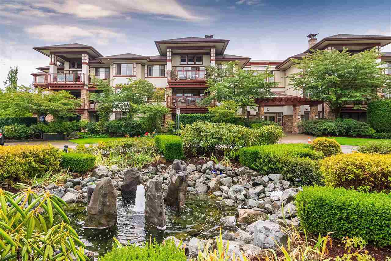 """Main Photo: 207 16483 64 Avenue in Surrey: Cloverdale BC Condo for sale in """"St. Andrews"""" (Cloverdale)  : MLS®# R2382593"""