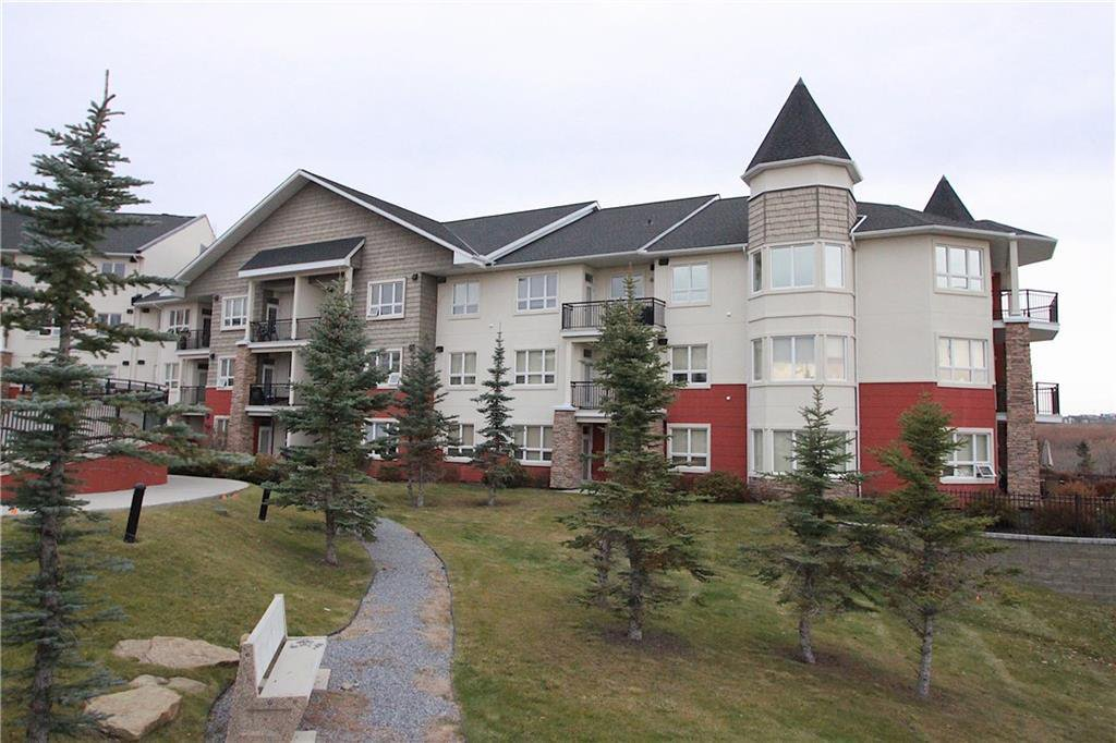 Main Photo: 320 26 VAL GARDENA View SW in Calgary: Springbank Hill Apartment for sale : MLS®# C4266820