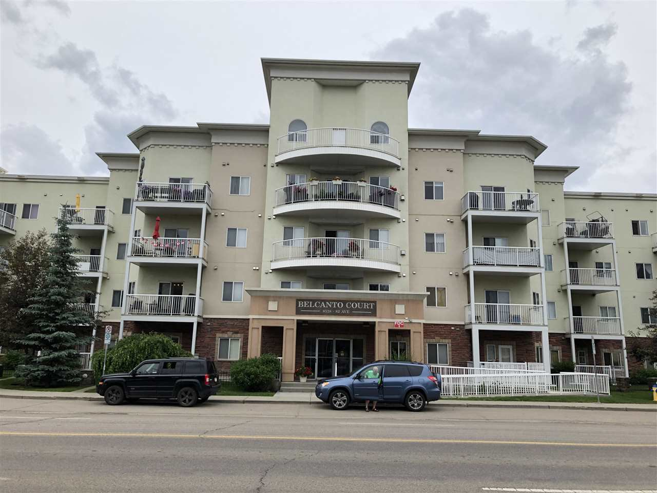 Main Photo: 111 8528 82 Avenue NW in Edmonton: Zone 18 Condo for sale : MLS®# E4203443