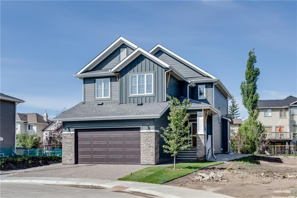 Main Photo: 436 DISCOVERY Place SW in Calgary: Discovery Ridge Detached for sale : MLS®# A1035589