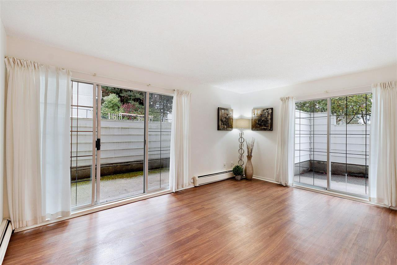 """Main Photo: 107 707 EIGHTH Street in New Westminster: Uptown NW Condo for sale in """"Diplomat"""" : MLS®# R2518105"""