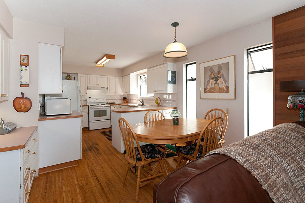 Photo 10: Photos: 3529 BLENHEIM Street in Vancouver: Dunbar House for sale (Vancouver West)  : MLS®# V891326