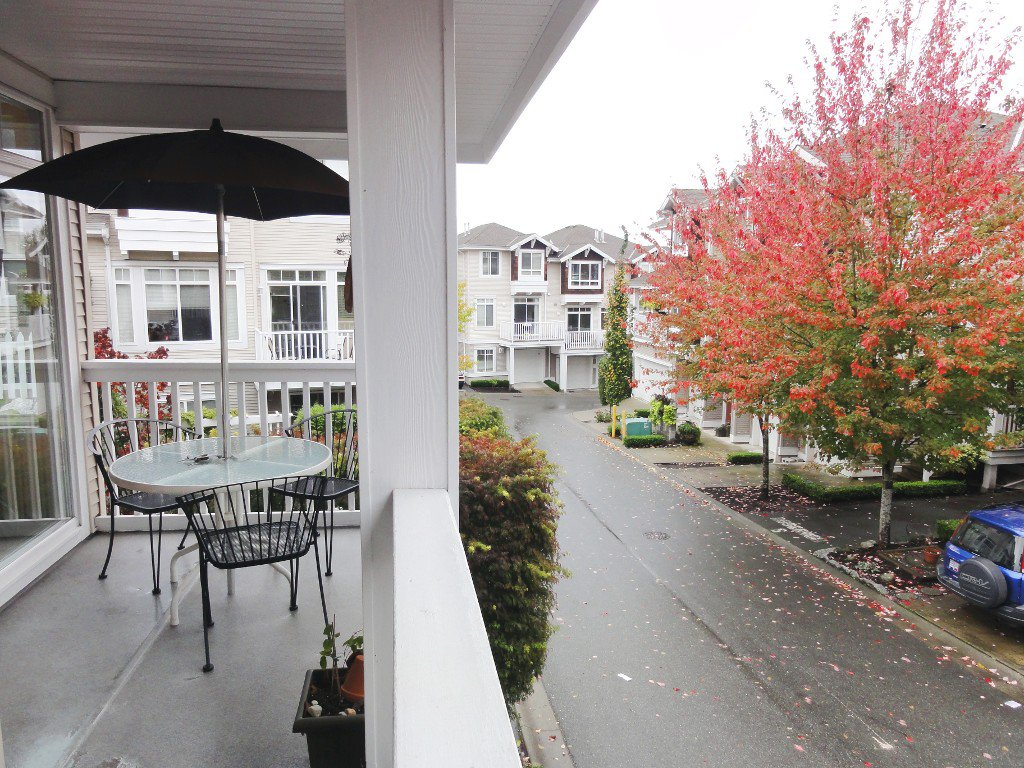 """Photo 12: Photos: 42 15030 58TH Avenue in Surrey: Sullivan Station Townhouse for sale in """"Summerleaf"""" : MLS®# F1128237"""