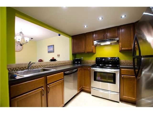 "Photo 9: Photos: 263 1440 GARDEN Place in Tsawwassen: Cliff Drive Condo for sale in ""GARDEN PLACE"" : MLS®# V1091294"