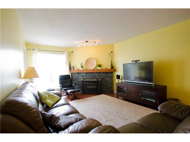 "Photo 3: Photos: 263 1440 GARDEN Place in Tsawwassen: Cliff Drive Condo for sale in ""GARDEN PLACE"" : MLS®# V1091294"