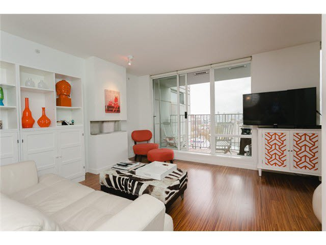 "Main Photo: 611 328 E 11TH Avenue in Vancouver: Mount Pleasant VE Condo for sale in ""UNO"" (Vancouver East)  : MLS®# V1119330"