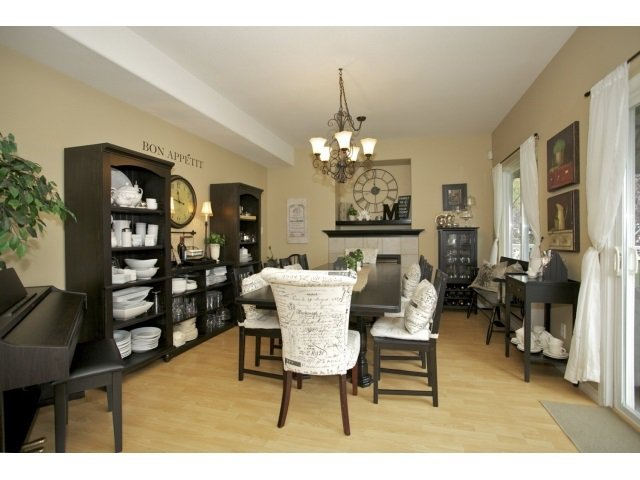 Photo 4: Photos: 35560 CATHEDRAL Court in Abbotsford: Abbotsford East House for sale : MLS®# R2034133