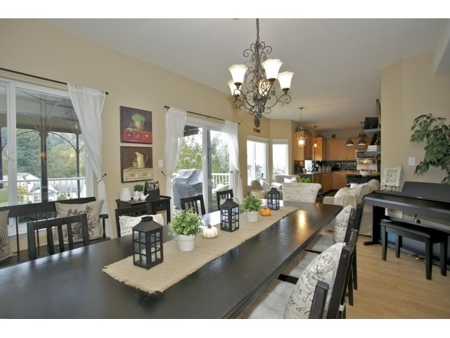 Photo 5: Photos: 35560 CATHEDRAL Court in Abbotsford: Abbotsford East House for sale : MLS®# R2034133