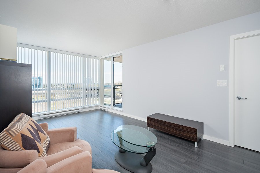 """Photo 6: Photos: 1002 3333 CORVETTE Way in Richmond: West Cambie Condo for sale in """"WALL CENTRE RICHMOND"""" : MLS®# R2054097"""
