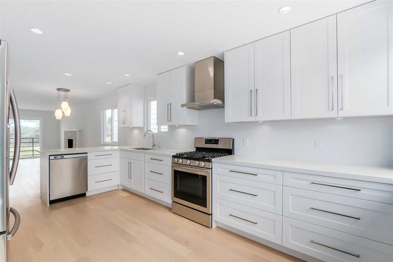 Photo 2: Photos: 3490 CAMBRIDGE Street in Vancouver: Hastings East House for sale (Vancouver East)  : MLS®# R2066449