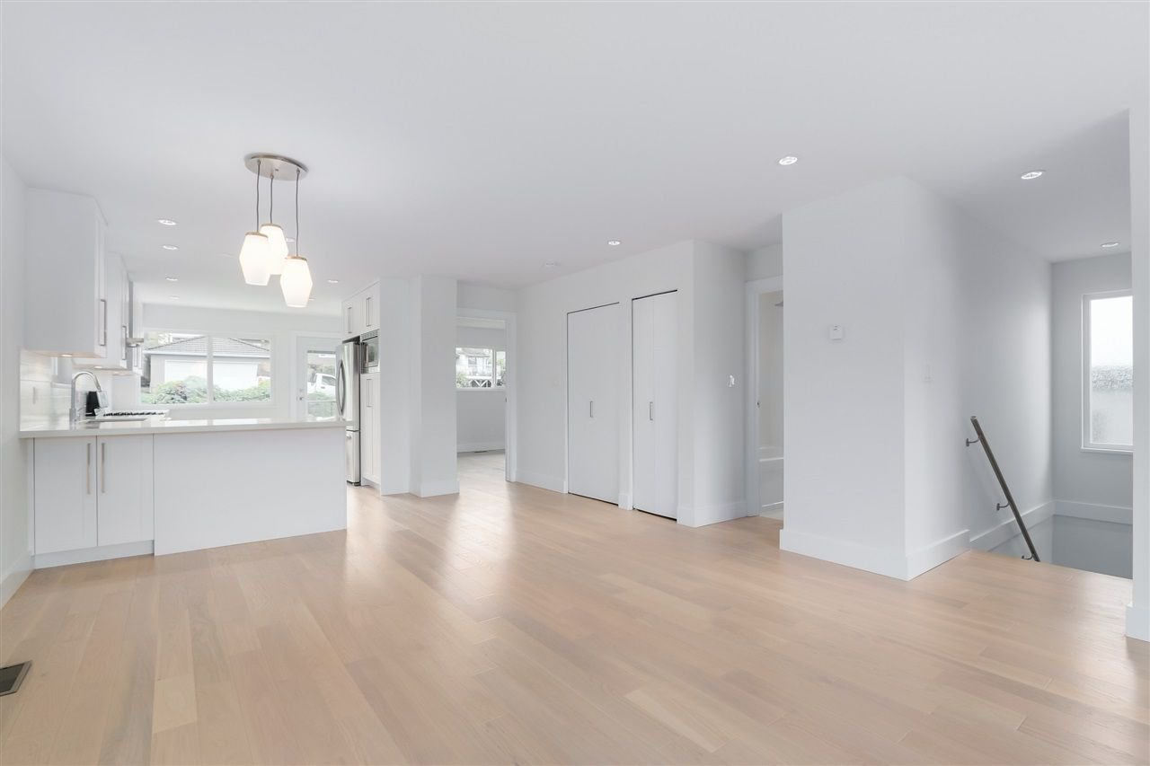 Photo 9: Photos: 3490 CAMBRIDGE Street in Vancouver: Hastings East House for sale (Vancouver East)  : MLS®# R2066449