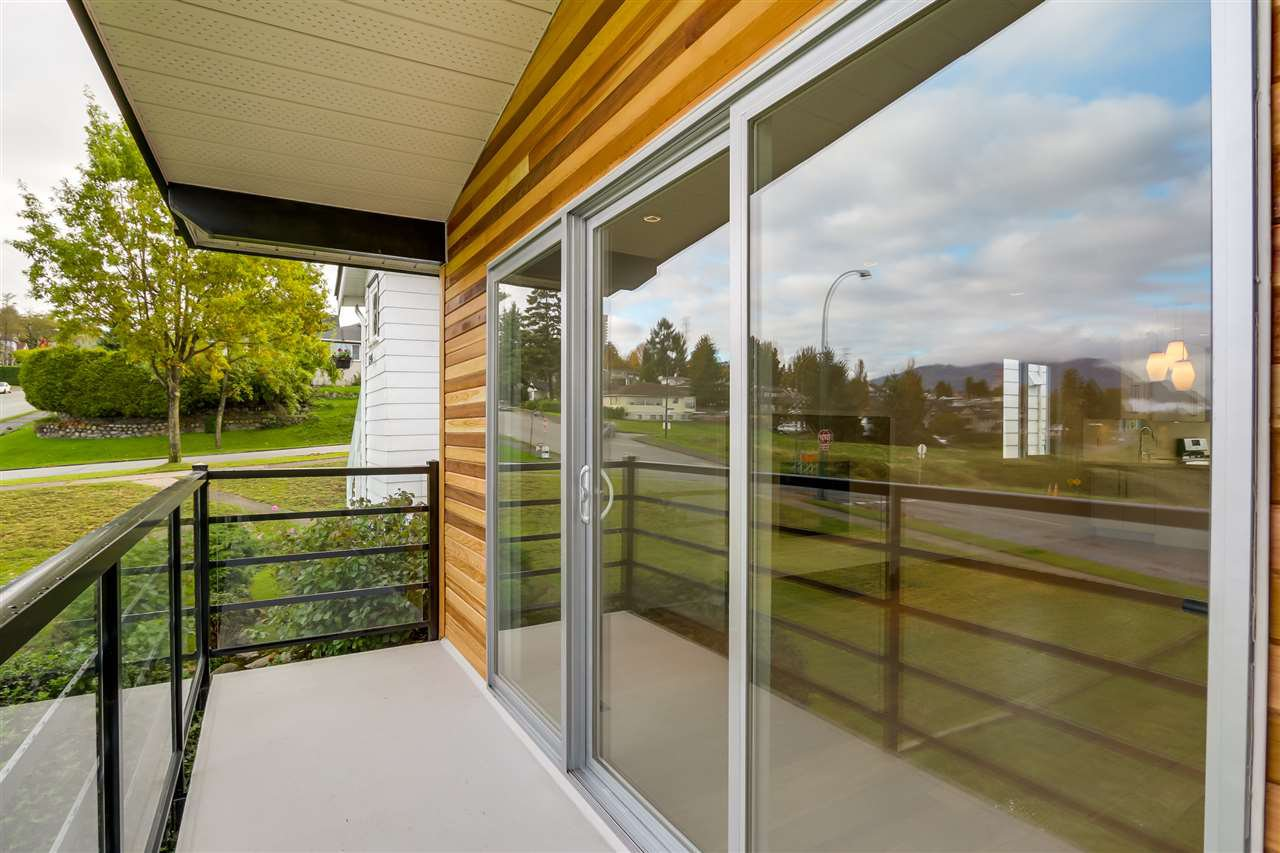 Photo 11: Photos: 3490 CAMBRIDGE Street in Vancouver: Hastings East House for sale (Vancouver East)  : MLS®# R2066449