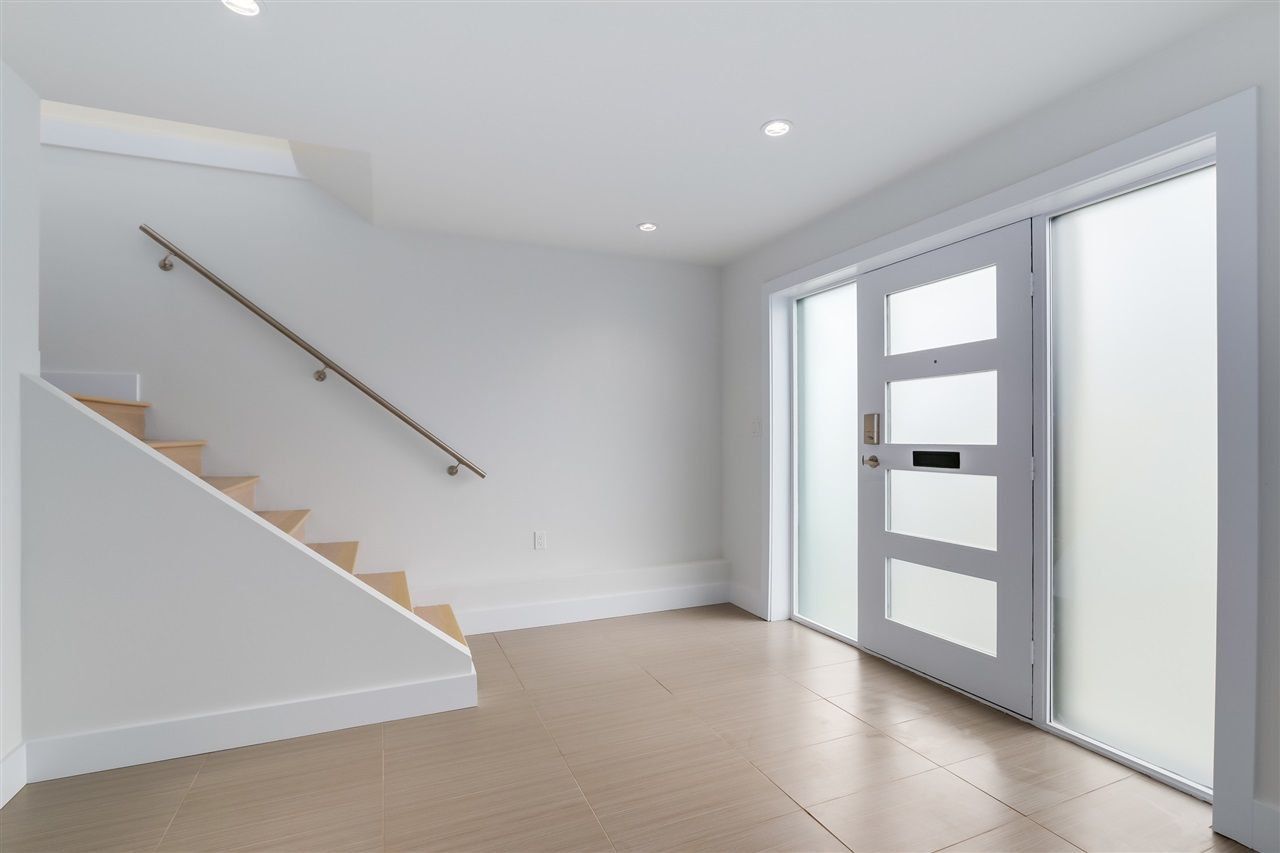 Photo 12: Photos: 3490 CAMBRIDGE Street in Vancouver: Hastings East House for sale (Vancouver East)  : MLS®# R2066449