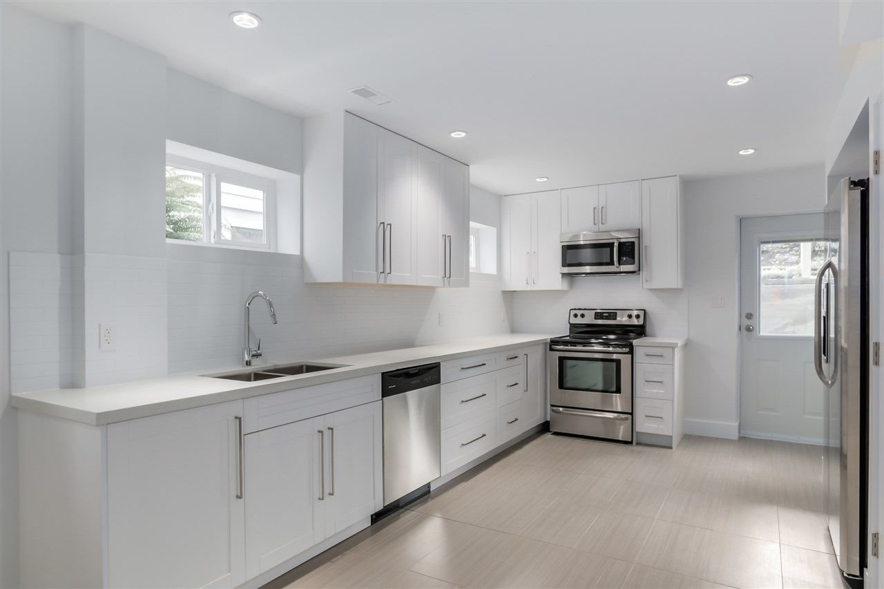 Photo 14: Photos: 3490 CAMBRIDGE Street in Vancouver: Hastings East House for sale (Vancouver East)  : MLS®# R2066449