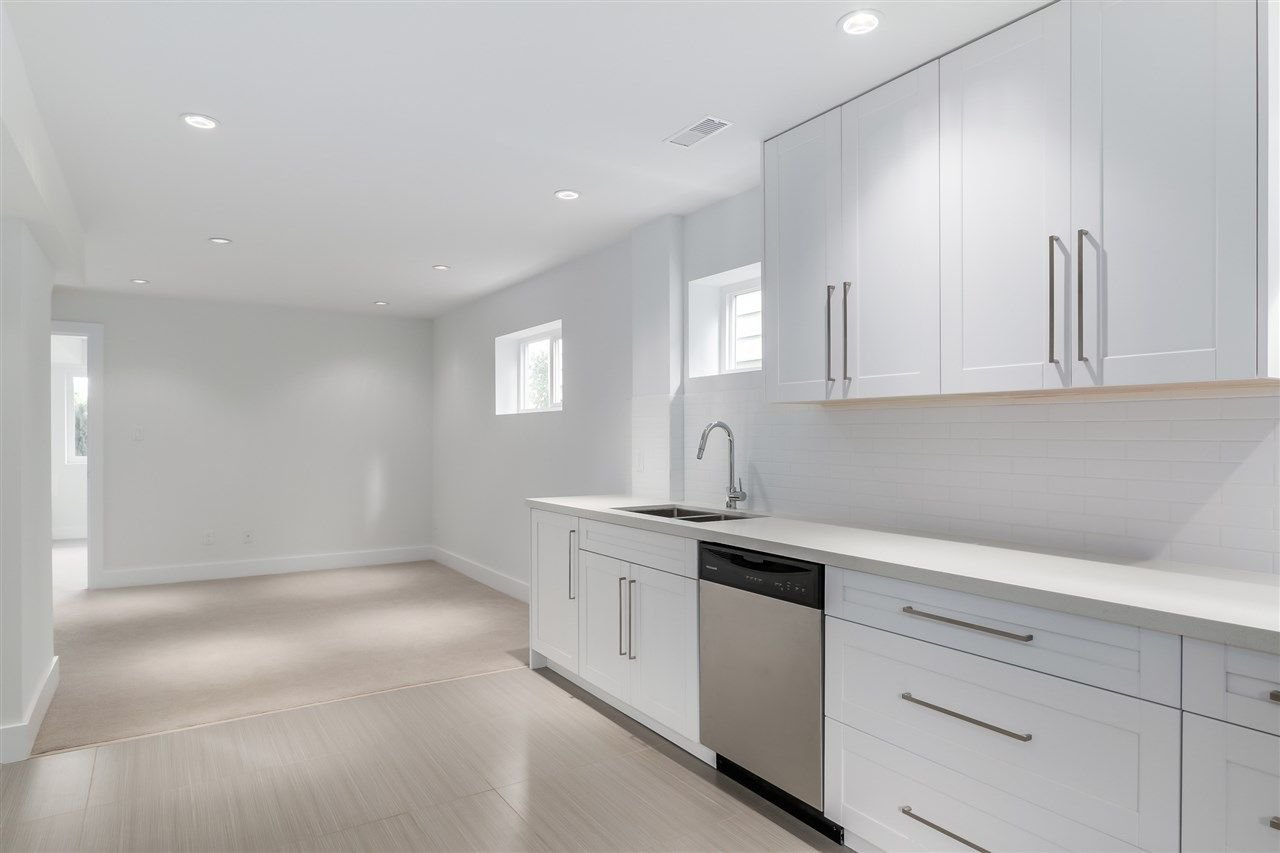 Photo 15: Photos: 3490 CAMBRIDGE Street in Vancouver: Hastings East House for sale (Vancouver East)  : MLS®# R2066449