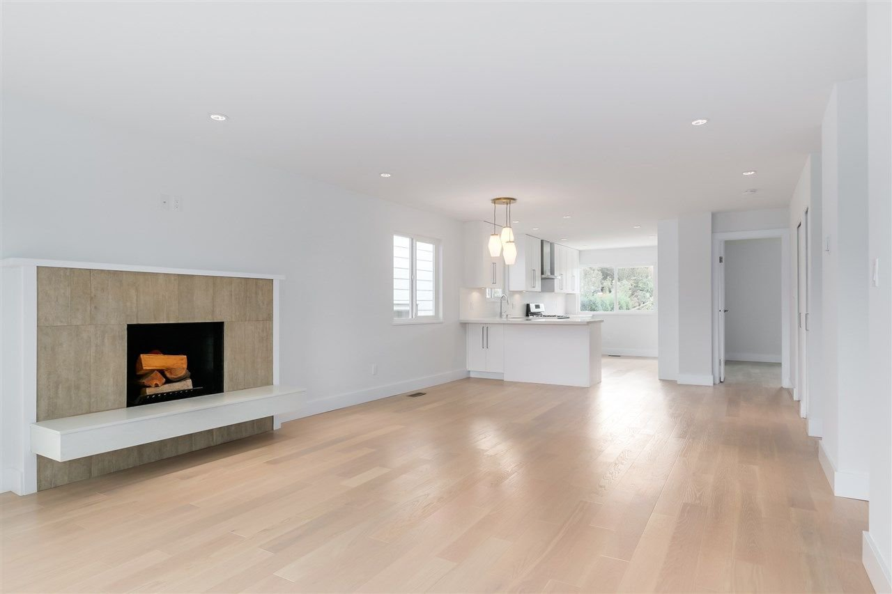 Photo 5: Photos: 3490 CAMBRIDGE Street in Vancouver: Hastings East House for sale (Vancouver East)  : MLS®# R2066449