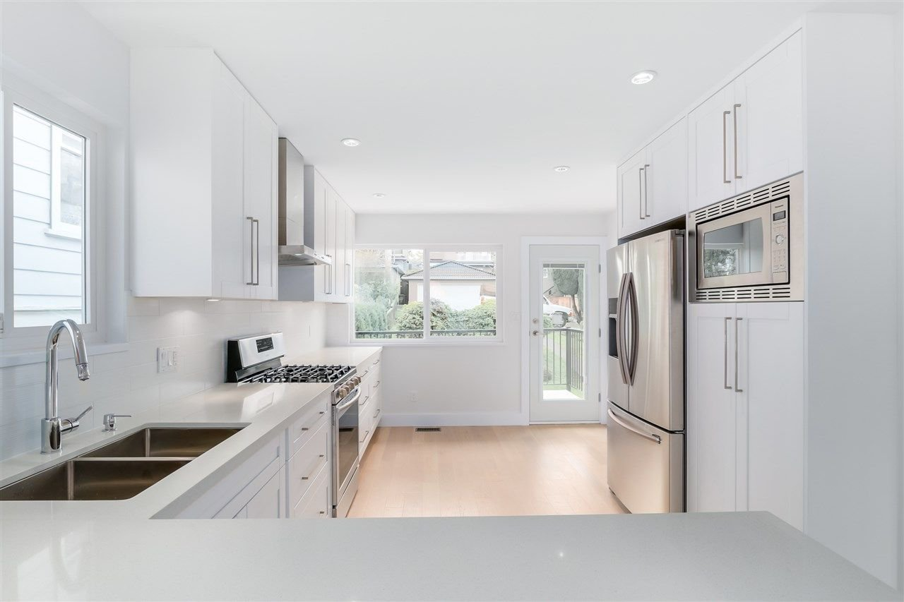 Photo 3: Photos: 3490 CAMBRIDGE Street in Vancouver: Hastings East House for sale (Vancouver East)  : MLS®# R2066449