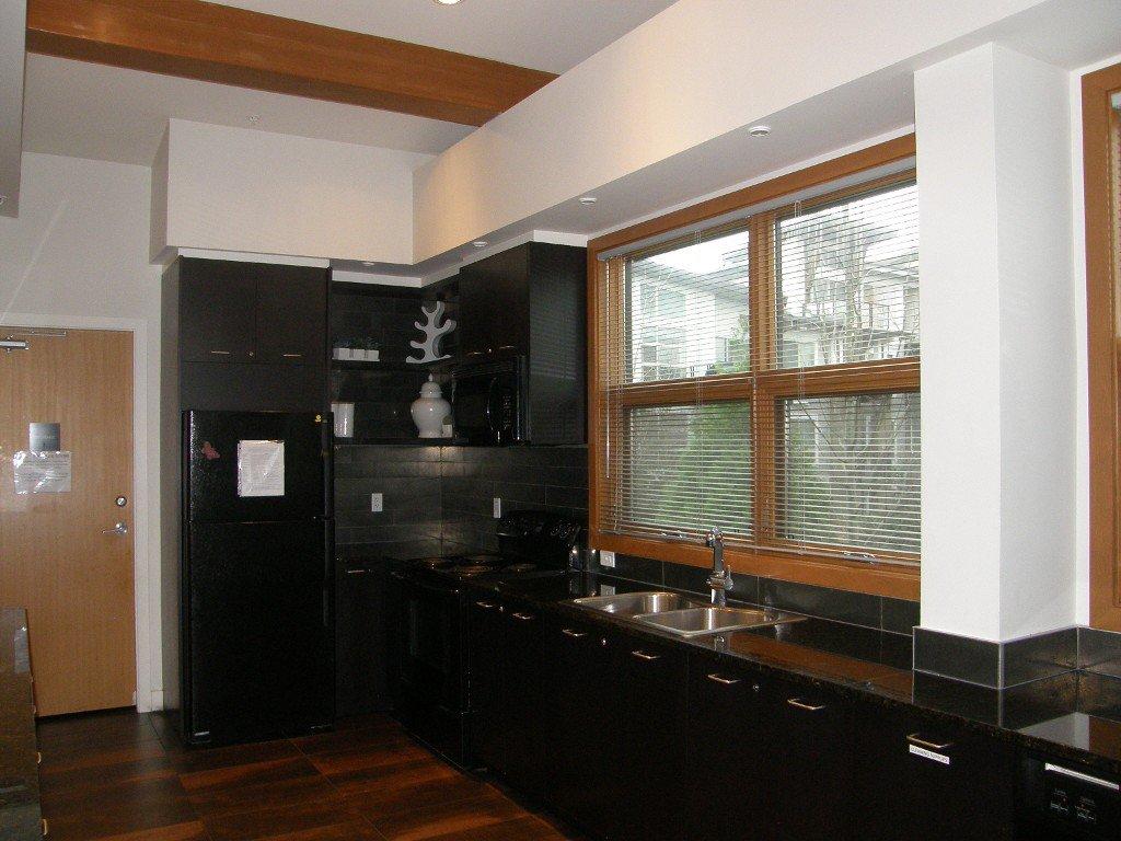 "Photo 24: Photos: 319 6688 120 Street in Surrey: West Newton Condo for sale in ""Salus"" : MLS®# R2124000"