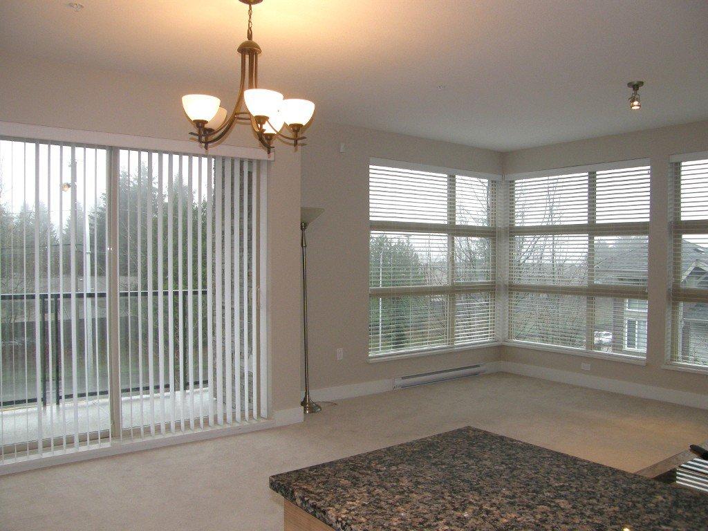 "Photo 8: Photos: 319 6688 120 Street in Surrey: West Newton Condo for sale in ""Salus"" : MLS®# R2124000"