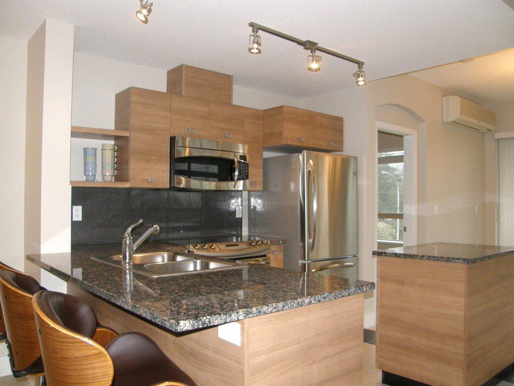 "Photo 4: Photos: 319 6688 120 Street in Surrey: West Newton Condo for sale in ""Salus"" : MLS®# R2124000"