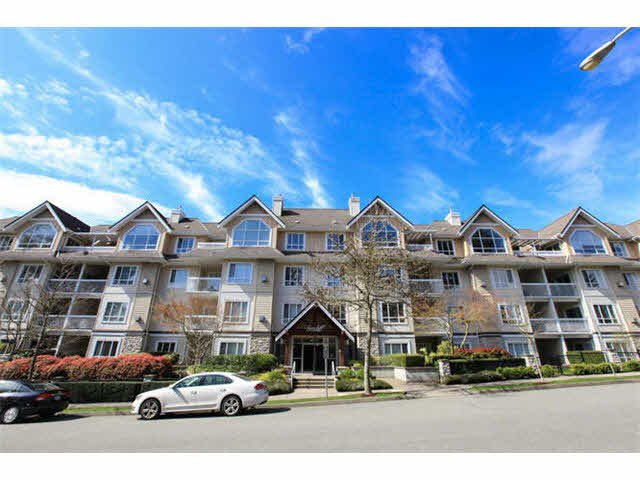 Main Photo: 207 1685 152A STREET in : King George Corridor Condo for sale : MLS®# F1440418