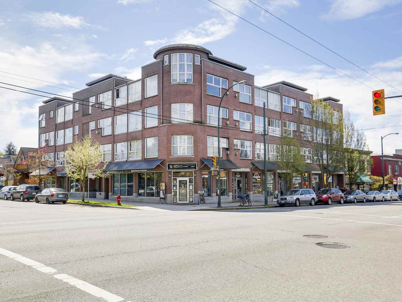 "Main Photo: 303 2025 STEPHENS Street in Vancouver: Kitsilano Condo for sale in ""STEPHENS COURT"" (Vancouver West)  : MLS®# R2161721"