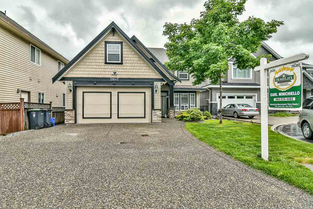 Main Photo: 21645 92B Avenue in Langley: Walnut Grove House for sale : MLS®# R2174739