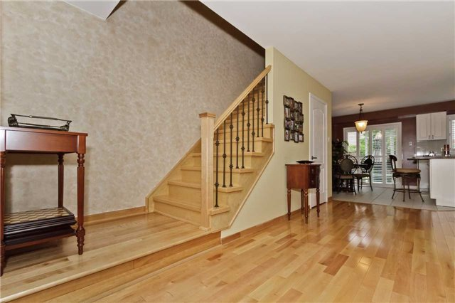Photo 3: Photos: 614 Summer Park Crescent in Mississauga: Fairview House (2-Storey) for sale : MLS®# W3840789
