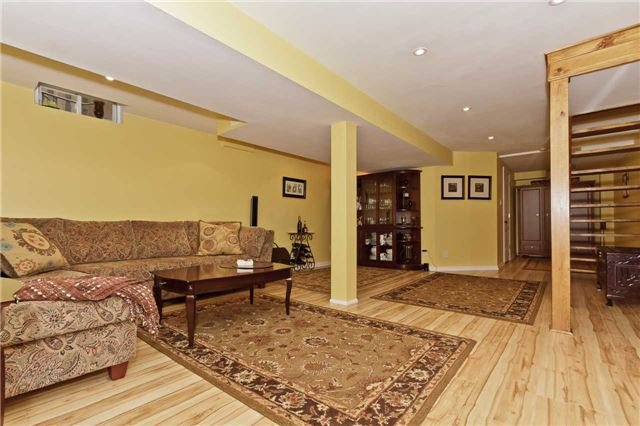 Photo 18: Photos: 614 Summer Park Crescent in Mississauga: Fairview House (2-Storey) for sale : MLS®# W3840789