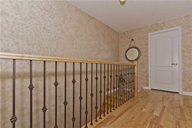 Photo 10: Photos: 614 Summer Park Crescent in Mississauga: Fairview House (2-Storey) for sale : MLS®# W3840789
