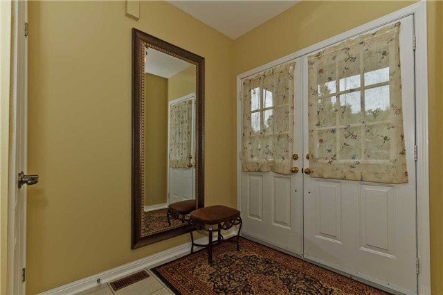 Photo 2: Photos: 614 Summer Park Crescent in Mississauga: Fairview House (2-Storey) for sale : MLS®# W3840789