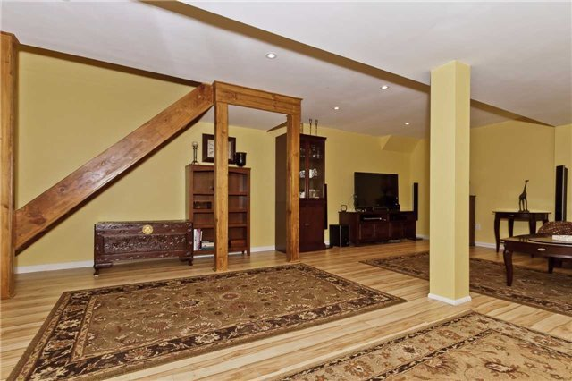 Photo 17: Photos: 614 Summer Park Crescent in Mississauga: Fairview House (2-Storey) for sale : MLS®# W3840789